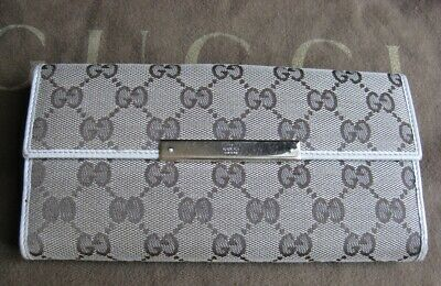 C100% Authentic Gucci Gg Canvas Coins/Credit Card Wallet