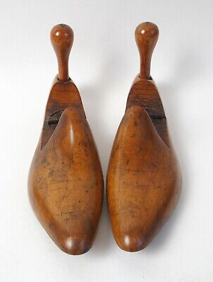 Lovely pair of antique Victorian wooden treen shoe trees / stretchers UK 6 / 39
