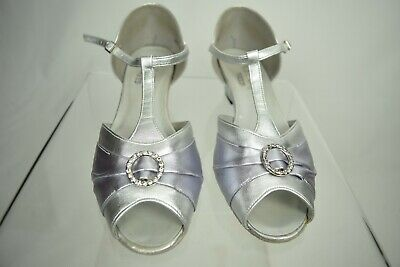 "Freed DANCE STEPS Dancing Soft leather Shoes Silver 1.5"" heel Size 6.5"