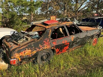 HOLDEN HQ SPEEDWAY CAR CRASH and BASH 202 MANUAL ROLL BARS HOLLEY EXTRACTORS