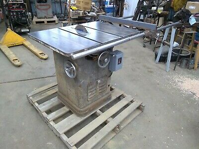 "Delta 10"" Unisaw Right Tilt Tablesaw"