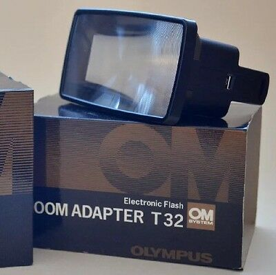 Olympus OM Electronic Flash ZOOM ADAPTER T32 in BIX MINT