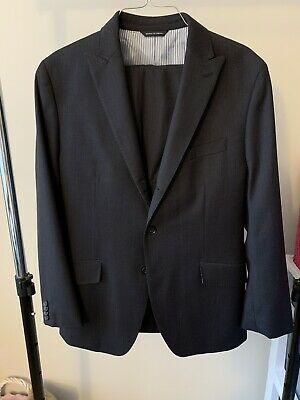 Banana Republic Tailored Fit Wool Suit 40s - Fits Like 38s