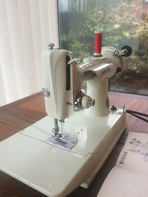 Vintage Singer 221K White Featherweight Sewing Machine And Case