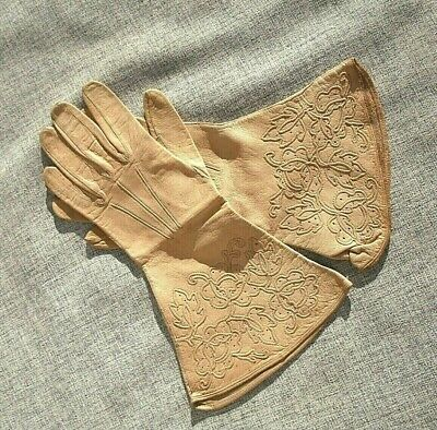 Stunning Early Vintage Cream Kid Leather Gauntlet Gloves.embroidered..vgc..