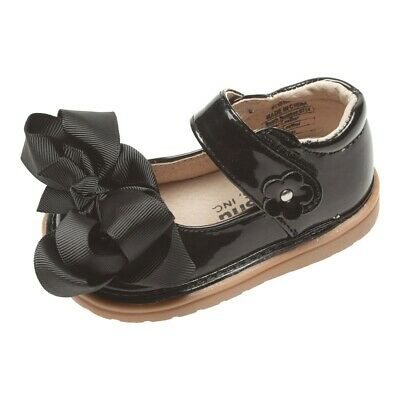Mooshu Trainers Little Girls Black Patent Bow Squeaky Mary Jane Shoes 7 Toddler