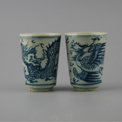 Asia China antique Marking the Ming dynasty Blue and white Dragon Phoenix A pair