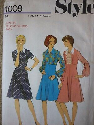 Vintage 1970'S Style Fit & Flare Dress Sewing Pattern