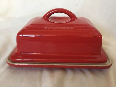 LE CREUSET RED CREAM COVERED BUTTER DISH Excellant Condition