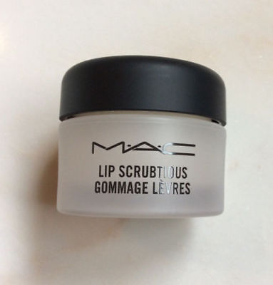 Mac Lip Scrubtious / Gommage Le'vres ~ Brand New