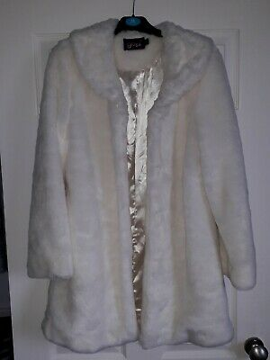 Girls Beautiful White Faux Fur coat Age 11 / 12