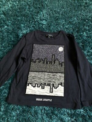 Howick Junior Long Sleeved City Scape Scene Top Age 3-4 Years