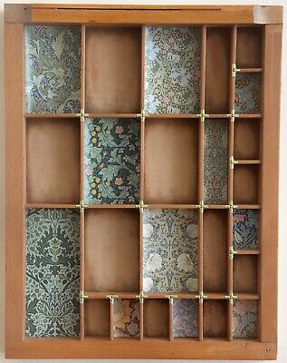 Lovely Small Wooden Printers Tray Artwork with William Morris Theme