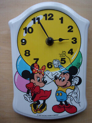 1987 Walt Disney Mickey & Minnie Mouse Ceramic Battery Wall Clock