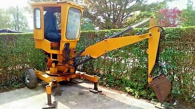 Smalley 5 towable digger / excavator, 2 buckets, all 3 rams been reconditioned