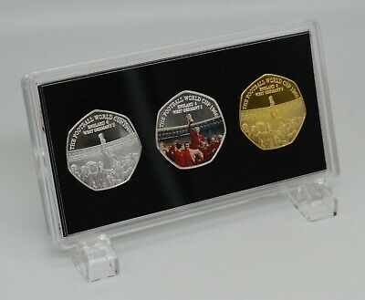 3 FOOTBALL WORLD CUP 1966 Silver and 24ct Gold Commemoratives in Display Case