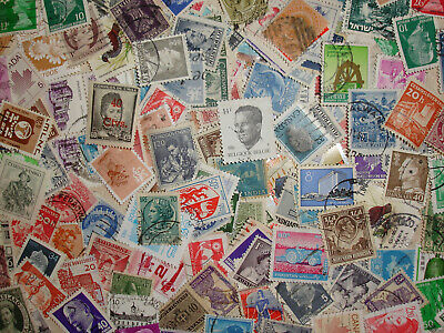 World Wide Mixture Lot of Over 1000 Stamps Off Paper Foriegn Mix