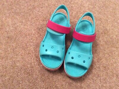 Girls Turquoise/ Fuschia Crocs Child Size 13 in Excellent Condition