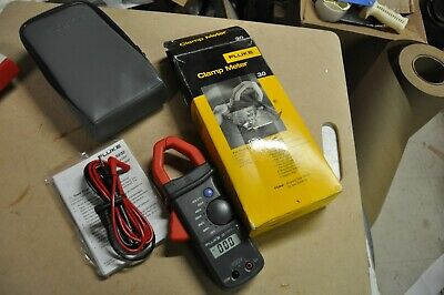 Fluke 30 Clamp Meter W/Leads NEW