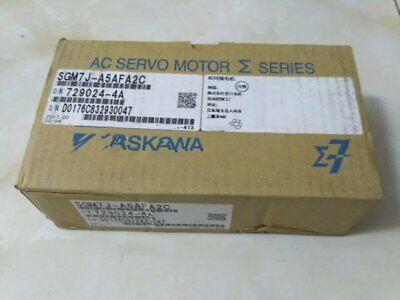 1PC NEW IN BOX Yaskawa servo Motor SGM7J-A5AFA2C one year warranty