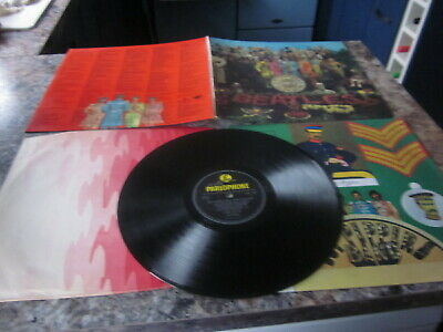 The Beatles Sgt Peppers Lonely Hearts Club Band  Parlaphone Mono 1St Press  1967