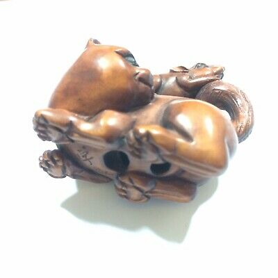 Japanese Boxwood Netsuke Rat/mouse On Cat signed