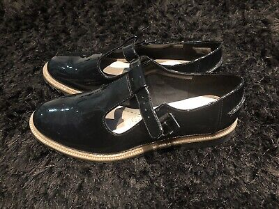 Girls Clarks Black Patent Flat School Shoes Brand New Size 5