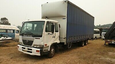 UD MK265 LOW PROFILE 6x2 taut liner truck. 15T GVM!