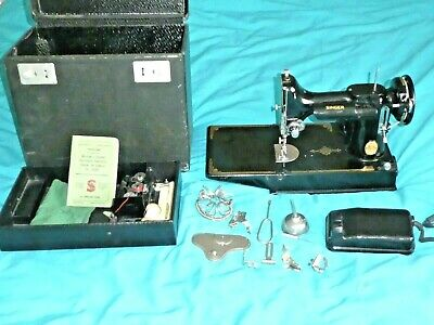 Vintage Singer 221K  Featherweight Sewing Machine in Box Working +Tools book etc