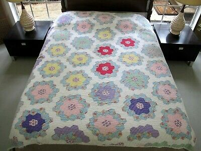 NEEDS TLC Vintage Feed Sack SCALLOPED Hand Quilting FLOWER GARDEN Quilt; FULL