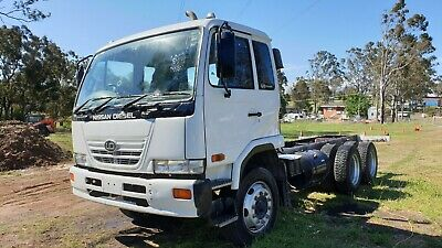 Nissan UD 2007 PKA265 6X2 Lazy axle cab chassis truck. LOW KM's
