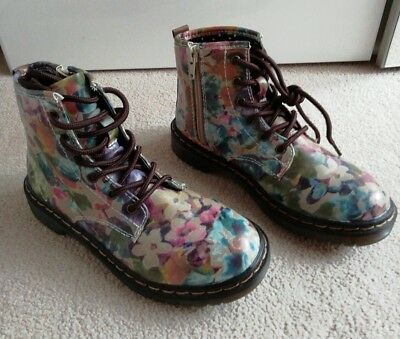 BNWOT Girls Floreal Boots shoes size 33eu or 1uk