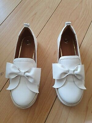 Girls River Island White Bow Flat  Shoes Size 2