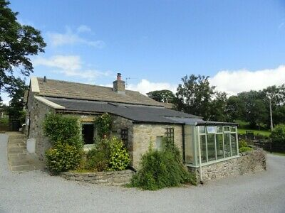 Yorkshire Dales Holiday Cottage with views-7 nights from 4 April 2020 (sleeps 4)