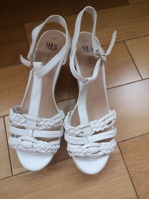 NEW LOOK 915 White Wedge Shoes Size 6/38