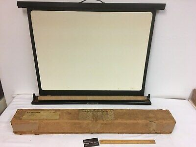 1950's Kodascope Eight Screen - Colapsable screen in box RARE !