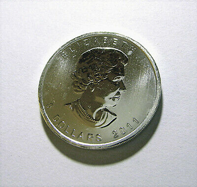 2011 $5 Maple Leaf Canada 1oz .9999 Fine Silver Coin from 25 Tube Roll Spotless