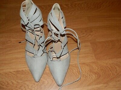 New Look Size 9 Light Grey Suede Look Lace Tie Shoes. New.