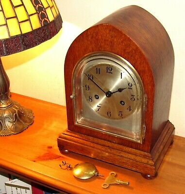 Very Nice Antique Striking Mantle Clock In Arched Oak Case. German?