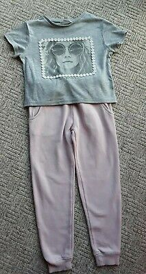 Girls NEXT joggers & RIVER ISLAND t-shirt age 5-6 years good condition