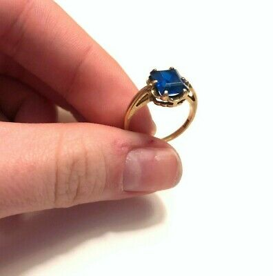 10k Gold and 3.5 Carat Sapphire Ring