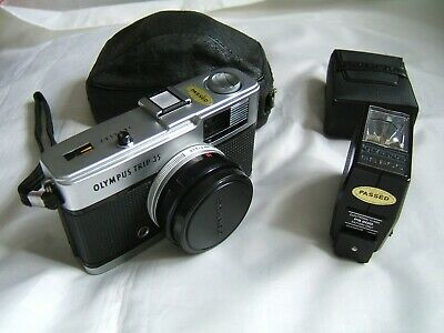 OLYMPUS Trip 35 35mm Film Camera With Original Case & OLYMPUS PS 200 Flash Unit