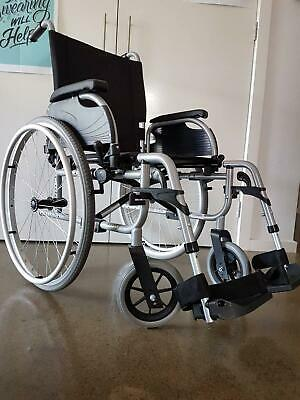 Aspire folding wheel chair. Excellent condition.
