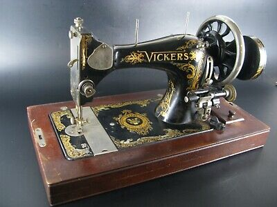 Ancienne Machine A Coudre Vickers  Antique Sewing Machine Modele De Luxe Limited