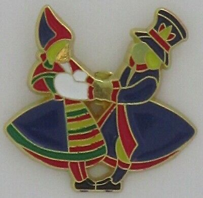 Scandinavian Swedish Norwegian Danish Finnish Dancers Hat Lapel Metal Enamel Pin