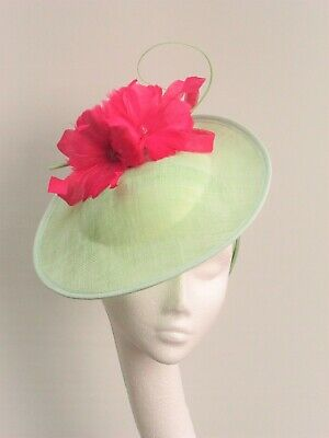 Mint Green & Cerise Pink Saucer Fascinater