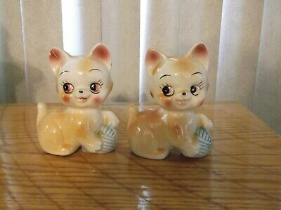 Lot of 2 vintage Cat Kitten Figurines Marked Japan Kitty with ball of yarn