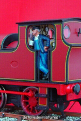 PAINTED O GAUGE FIGURE 7mm Scale 1:43 SCOTS GENT IN KILT-RED ONLY