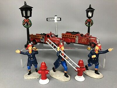 NEW LEMAX CHRISTMAS VILLAGES METAL FIRE HYDRANT SET OF 3 #34971