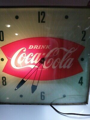 """VINTAGE PAM DRINK Coca-Cola LIGHTED WALL CLOCK 15"""" x 15"""" WORKS GREAT!"""